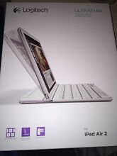 Logitech Ultra Thin Magnetic Clip-On Keyboard Cover iPad Air 2 Keilor Downs Brimbank Area Preview