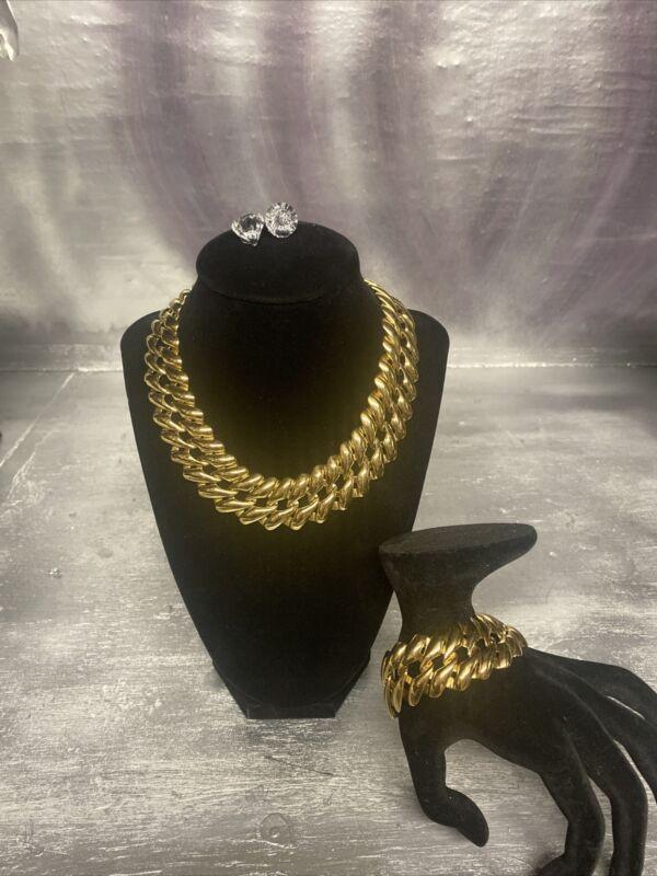 MONET Gold Vintage Necklace & Bracelet Set ~ Beautiful ~ Excellent Cond.