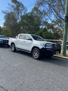 2017 Toyota Hilux SR5 6 Sp Manual Ute  Murrumba Downs Pine Rivers Area Preview