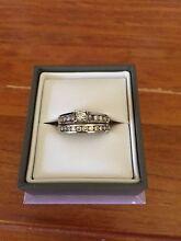 18ct White Gold Wedding Ring Set Rockingham Rockingham Area Preview