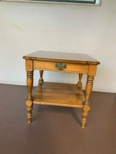 **FREE SHIPPING**Ethan Allen Heirloom Maple End Table Model 10-8445P