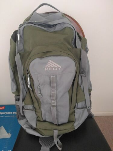 Kelty Redwing Traveler 3100 Backpack