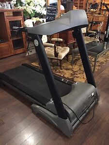AS NEW TREADMILL FOR SALE $ 600