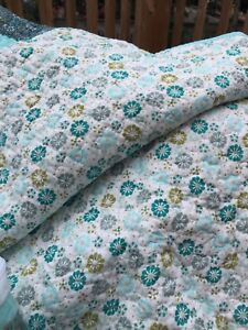 Quilt and pillow shans