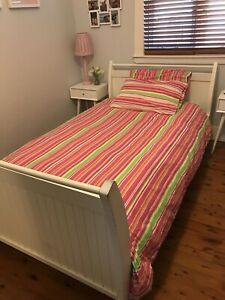 White timber sleigh bed including all linen & quilt - amazing value!