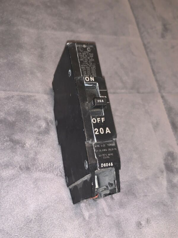 GENERAL ELECTRIC  E11592S 1 POLE 20 AMPS CIRCUIT BREAKER