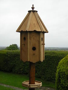 TIT COTE DOVECOTE STYLE BIRD HOUSE/BIRD BOX ( RRP £180 )
