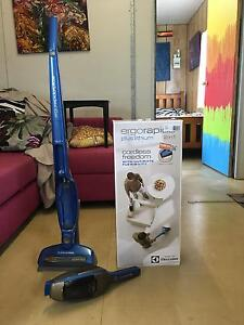 Cordless 2in1 Electrolux 16v vacuum cleaner Ripley Ipswich City Preview