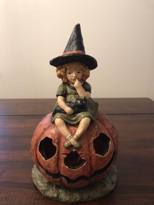 Ragon House Halloween Light