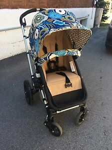 Bugaboo frog stroller- bassinet and toddler stand included