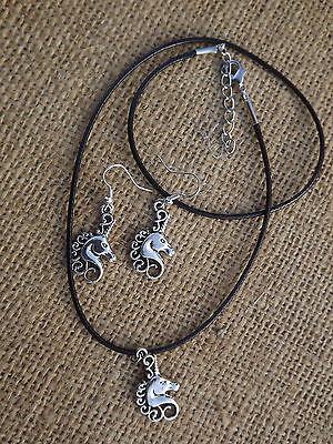 Unicorn Horse Earrings and Necklace Set - Silver tone Christmas Jewellery !
