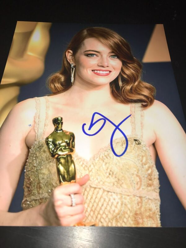 EMMA STONE SIGNED AUTOGRAPH 8x10 PHOTO LA LA LAND OSCARS TROPHY IN PERSON COA D