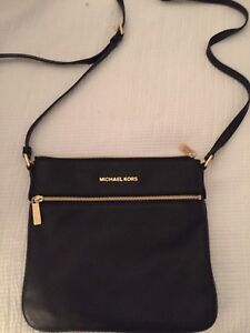 Micheal Kors Purse Authentic