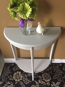 Cute Hallway Table.