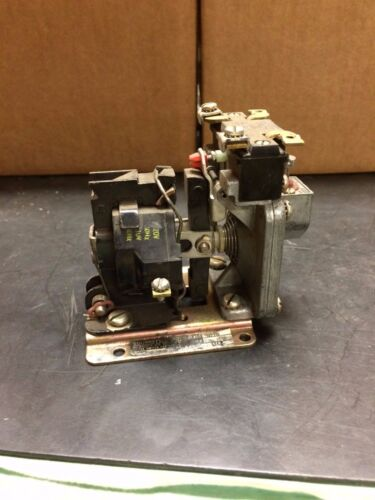 Square D Pneumatic Timing Relay Class 9050