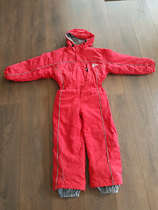 Kids snowboard  waterproof  ski suit size 10 Cranbourne North Casey Area Preview