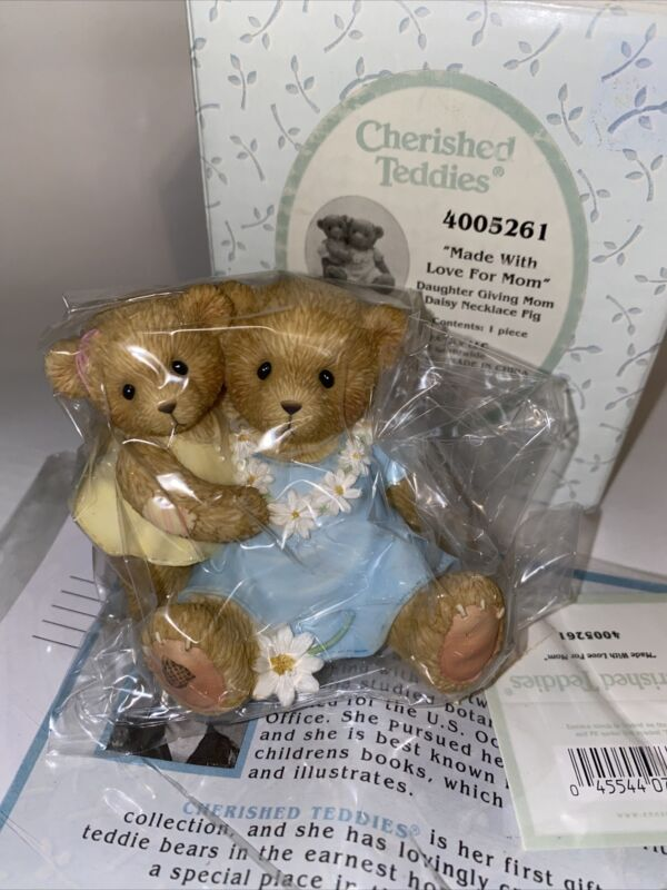 Cherished Teddies 4005261 Made With Love For Mom Daisy Necklace Figurine NEW!