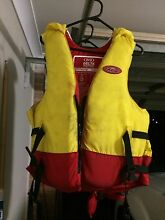 4 LIFE JACKETS PFD FISHING BOATING WATER SPORTS Aberglasslyn Maitland Area Preview