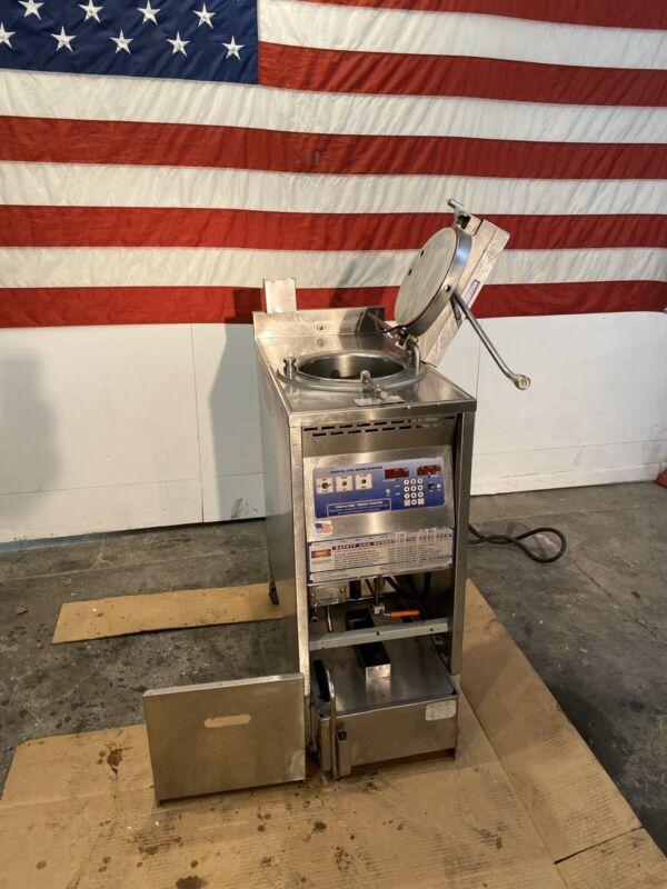 Used Broaster 1600 Pressure Fryer, 3 Phase