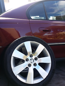 Holden 18 inch rims 4 quick sale Wollert Whittlesea Area Preview