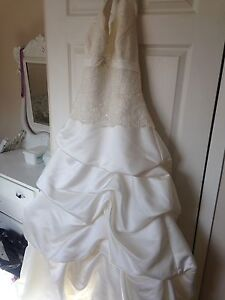 Da Vinci halter top wedding dress