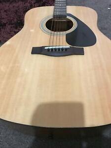 guitar 310p yamaha like new