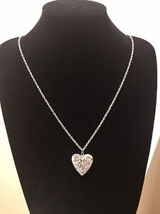 Heart Aromatherapy Essential Oil Diffuser Necklace London Ontario image 2