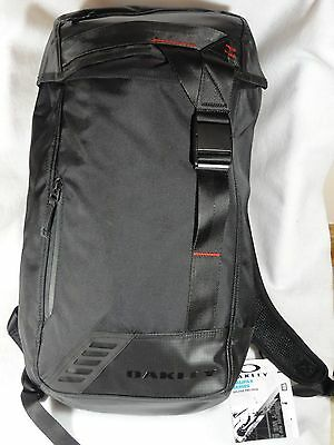 NEW OAKLEY Halifax Pro Water Resistant Backpack 25L