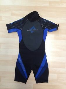 Size 10 youth wetsuit