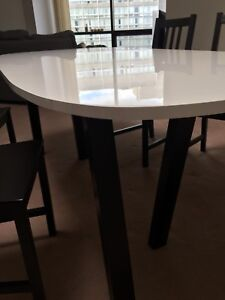 """Almost new. Kitchen table 72 """"x35"""""""