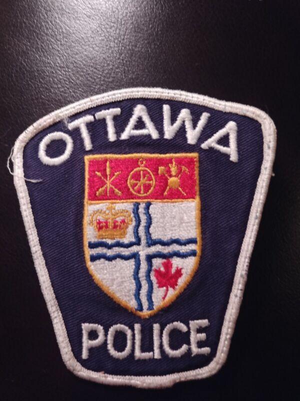 obsolete Police Patch  -  Ottawa, Ontario - Canada