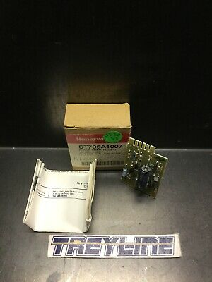 New Honeywell St795a1007 Plug-in Purge-timer 1.5 Seconds 13c-3