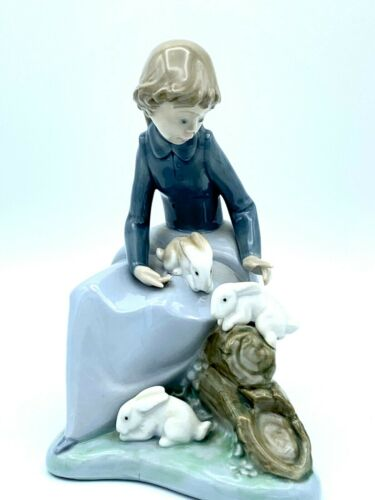 Lladro Nao Daisa 1987 Girl With Rabbits Figurine Great Condition