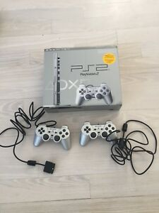 Play Station 2/PS2, 2 Manettes/Controlleurs