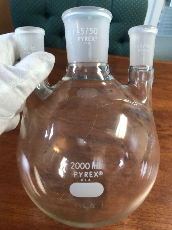 Pyrex 2000 ml Round Bottom Flask 3 Necks 45/50 and 24/40 Bristol Myers Lab