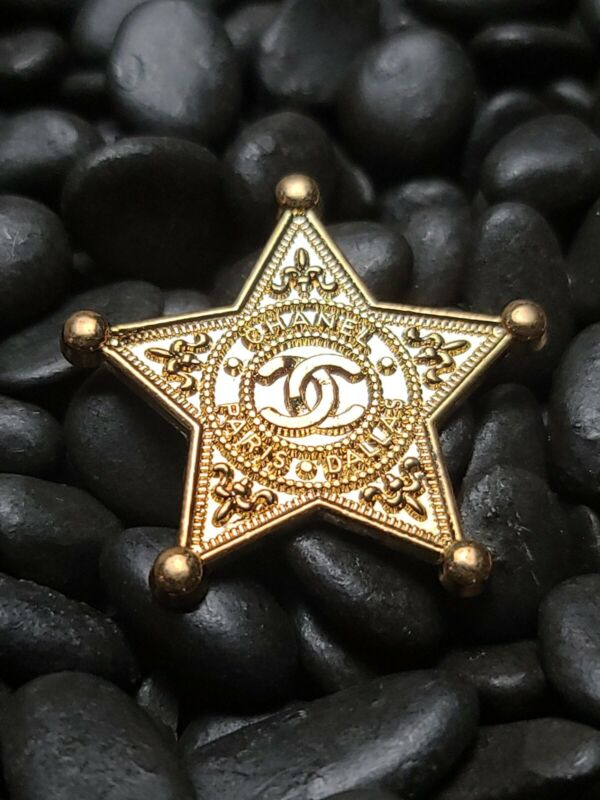 Gold Chanel  🌟 Button -one