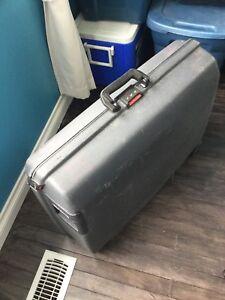 Samsonite Luggage / Suitcase