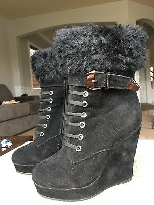 Black Wedge furry Boots  ()