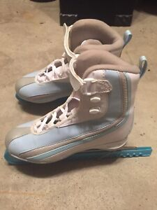 Girls/ women's Ice Skates.  Size 8