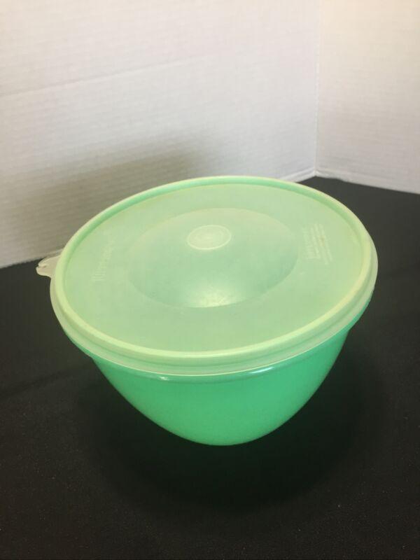 TUPPERWARE jade Crisp-It lettuce keeper bowl #679 & sheer domed seal