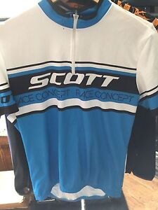 Men's medium cycling clothes
