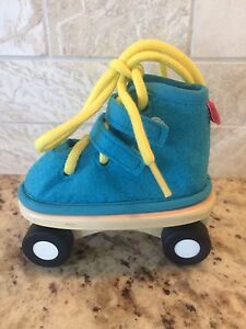 Hape roller skate with laces and Velcro
