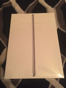 Trading 6th Gen Ipad 32 GB and new case for Iphone 8 or 8+