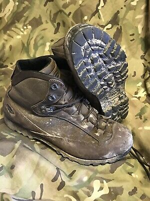 Brown high Liability goretex AKU Boots!british Army Issue!v/g condition!Size 9 M