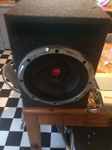 """12"""" kenwood sub in box and pioneer amp"""