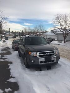 2009 Ford Escape LIMITED 4WD only 79900km