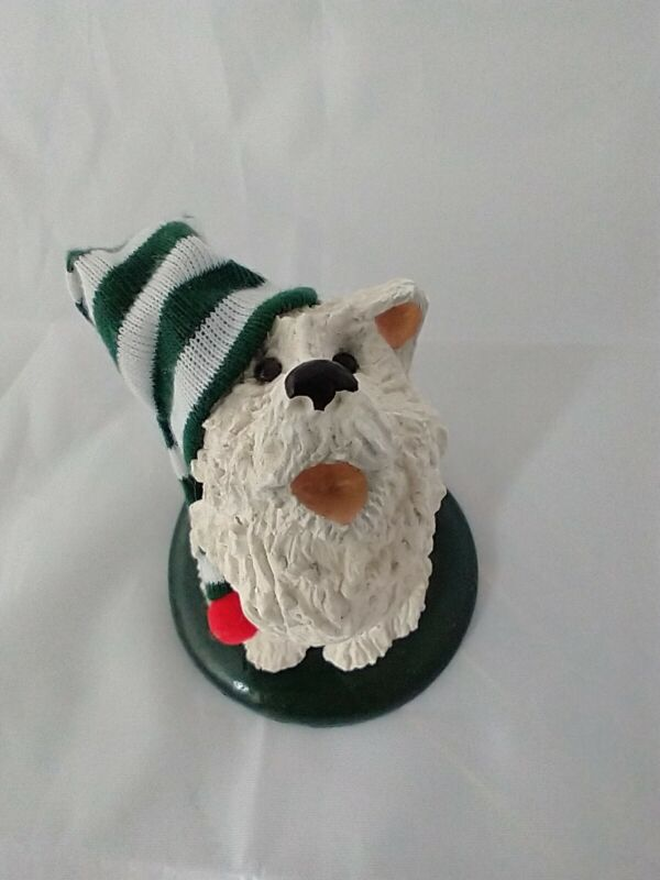Byers Choice 1989 The Carolers White Dog Wearing a green and white knit cap
