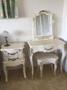 PRICE DROPPED!!!!! FRENCH PROVINCIAL/QUEEN ANNE BEDROOM SUITE Tweed Heads West Tweed Heads Area Preview