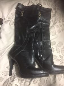 Black leather boots. Women's