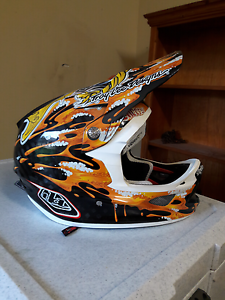 Bmx helmet Salamander Bay Port Stephens Area Preview